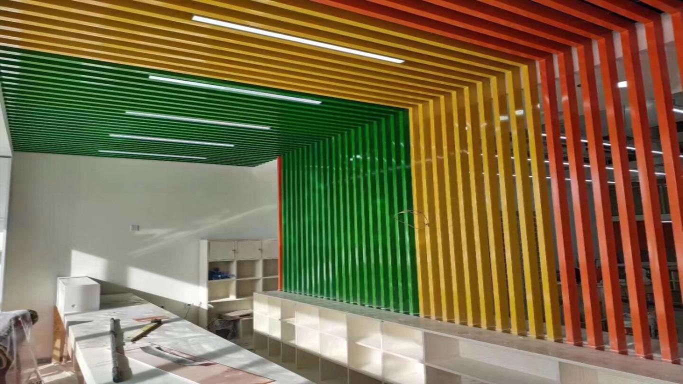 彩色鋁方通格柵吊頂綜合商業樓走廊過道天花裝飾廠家熱賣鋁方通示例圖8