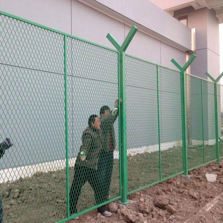 浸塑钢板网 护栏钢板网 建筑施工钢板网 照来供应
