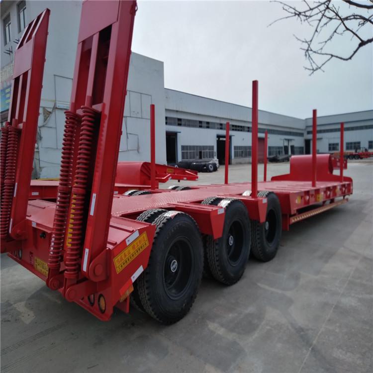 超长平板半挂车和超长集装箱骨架车标准5.5吨13米钩机板盘子7.8吨示例图6