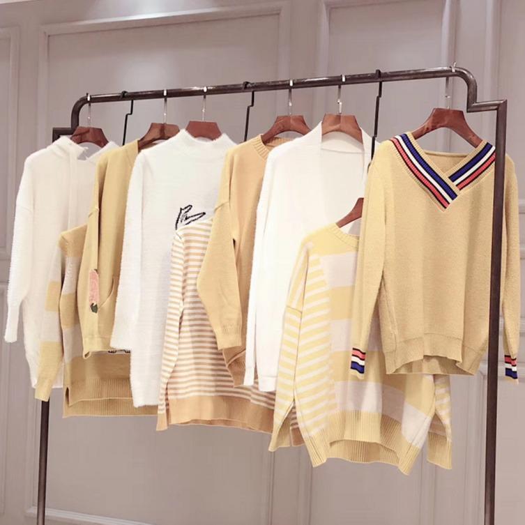 库存的底色品牌开扣女拆衣服市场