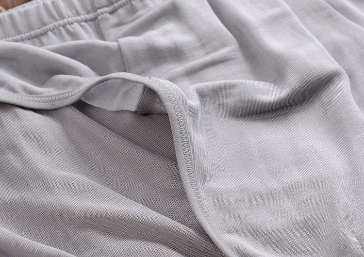 【2014夏季真丝面料中低腰男动漫三角裤美女性感内裤大性感胸图片