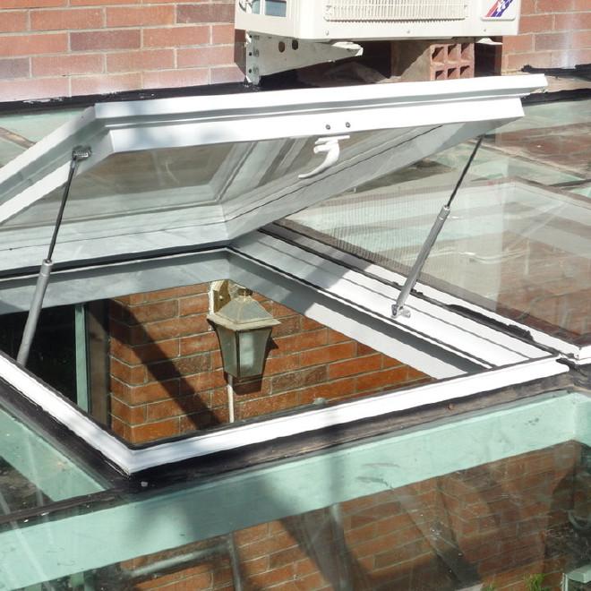 诚信厂家直销阳光房铝合金电动天窗遥控电动天窗屋顶手动天窗图片