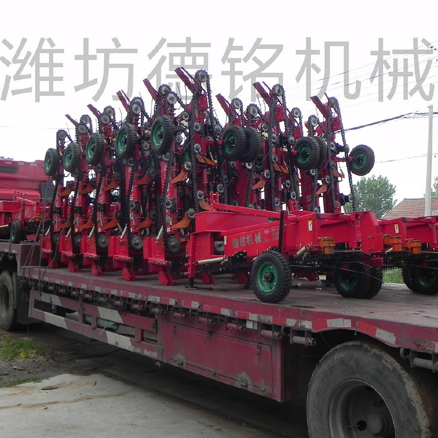 潍坊德铭机械花生收获机 花生收获机,新型花生收获机,山东花生收获机,链条式花生收获机,条铺式花生收获机