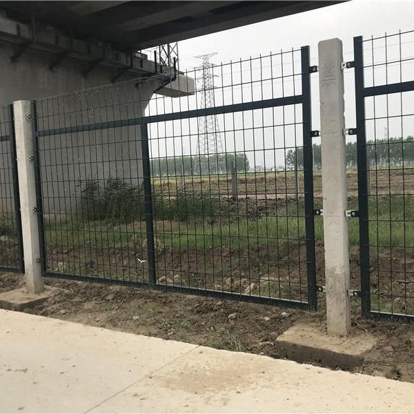 高速铁路桥下防护栅栏,高铁封闭网片,铁路道口护栏