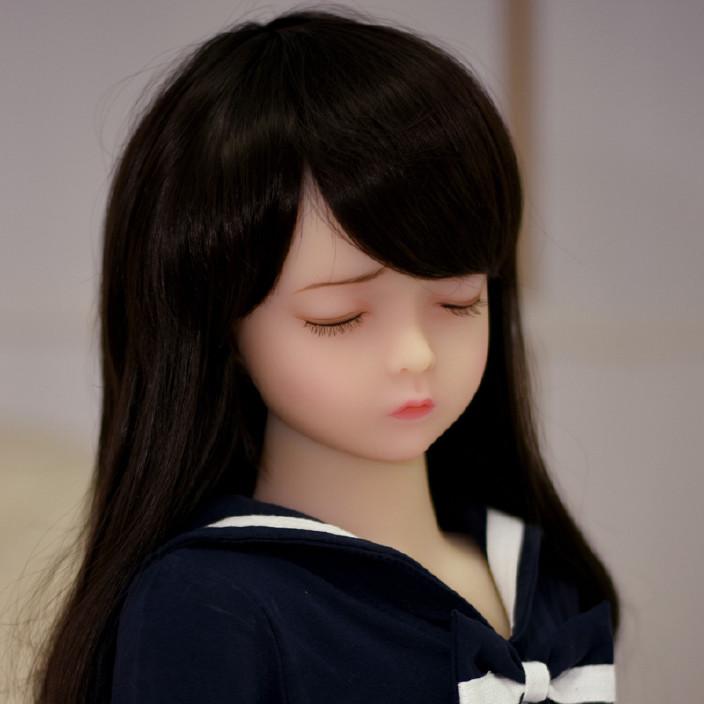 爱闭眼微乳相伴款实体tpe全娃娃图片电视美女看硅胶新100cm图片
