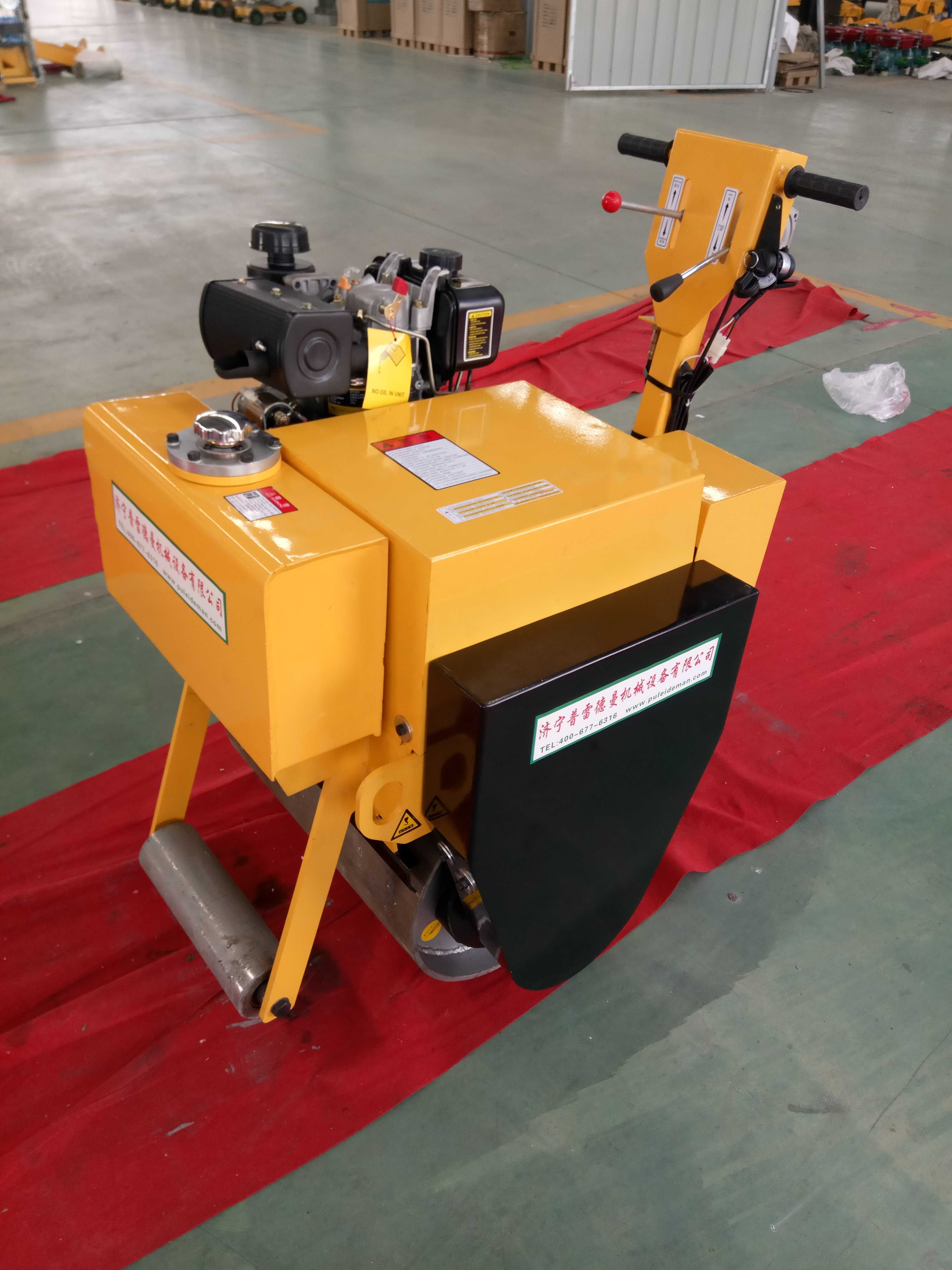 小型汽油压路机    小型汽油压路机的价格    手扶式汽油压路机图片