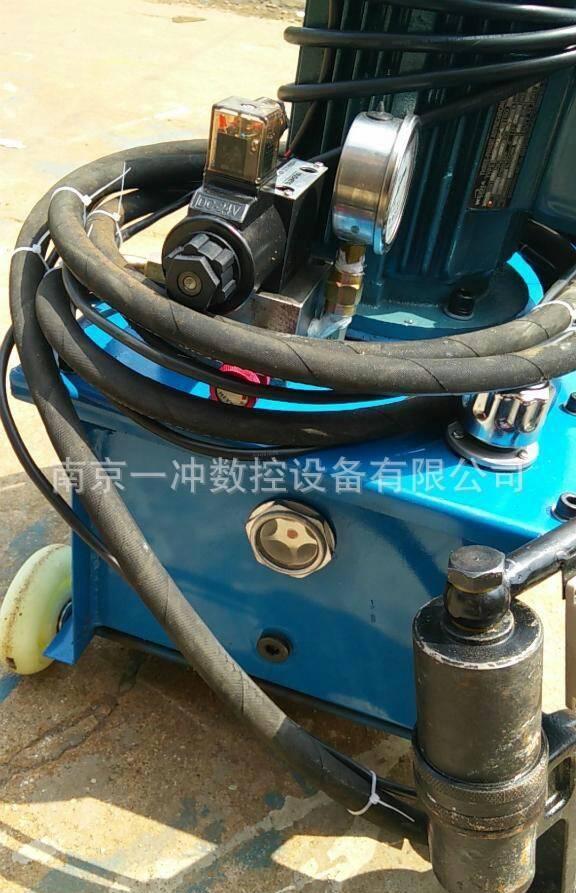 液压铆钉机 角铁法兰铆钉机 电动液压铆钉机图片