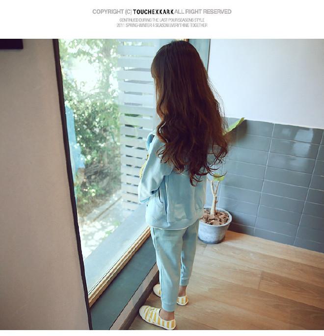 时尚女童新品2017春季韩版鱼儿茶叶v时尚木质拉链童装柜图片