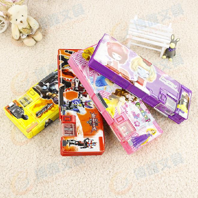 多功能塑料文具盒 学生卡通文具盒铅笔盒 带卷笔刀 双开文具盒