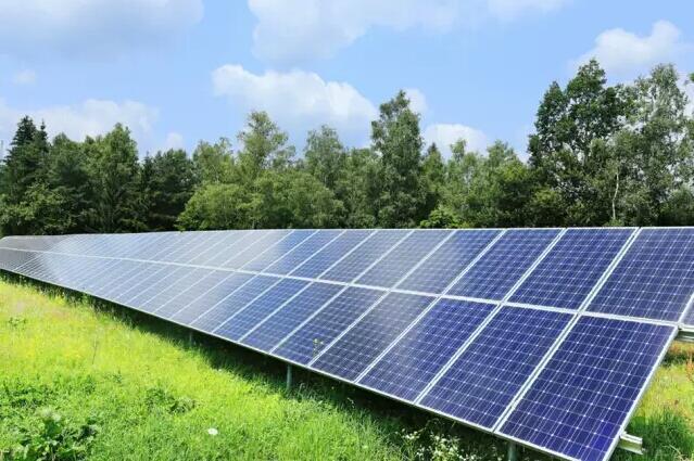 全国高价格太阳能组件回收   专业上门回收  太阳能电池板回收   电池板组件回收示例图1