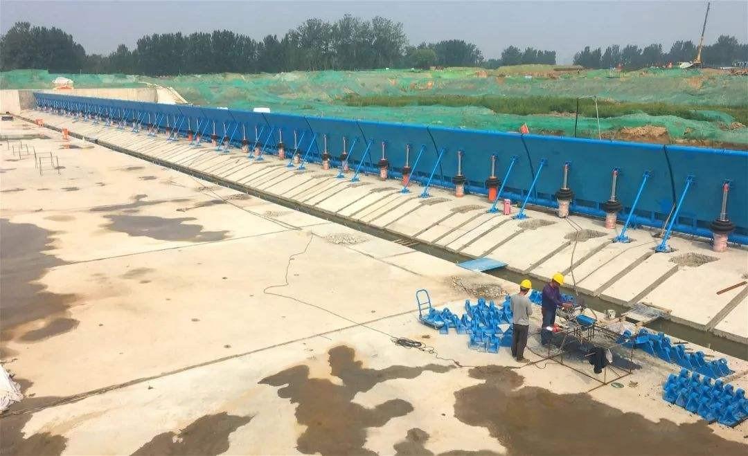 大型钢坝定制商 定制优质液压钢坝 液压钢坝闸门制造厂家示例图6
