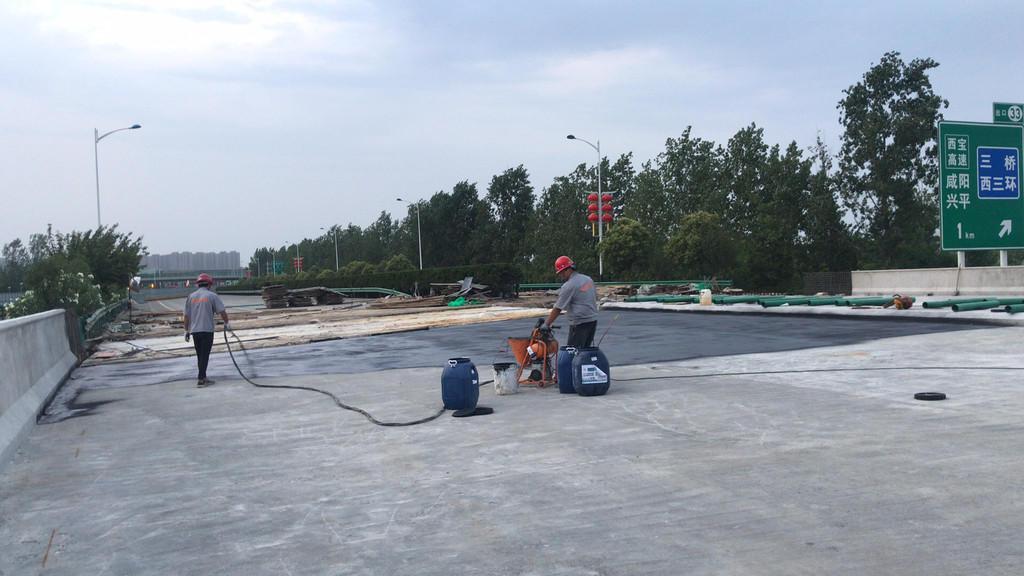 吉林十大品牌桥面防水生产厂家 amp-100二阶反应型桥面防水涂料示例图4