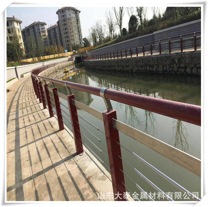 威海304不銹鋼復合管護欄廠家 定做橋梁護欄立柱量大優惠價格示例圖8