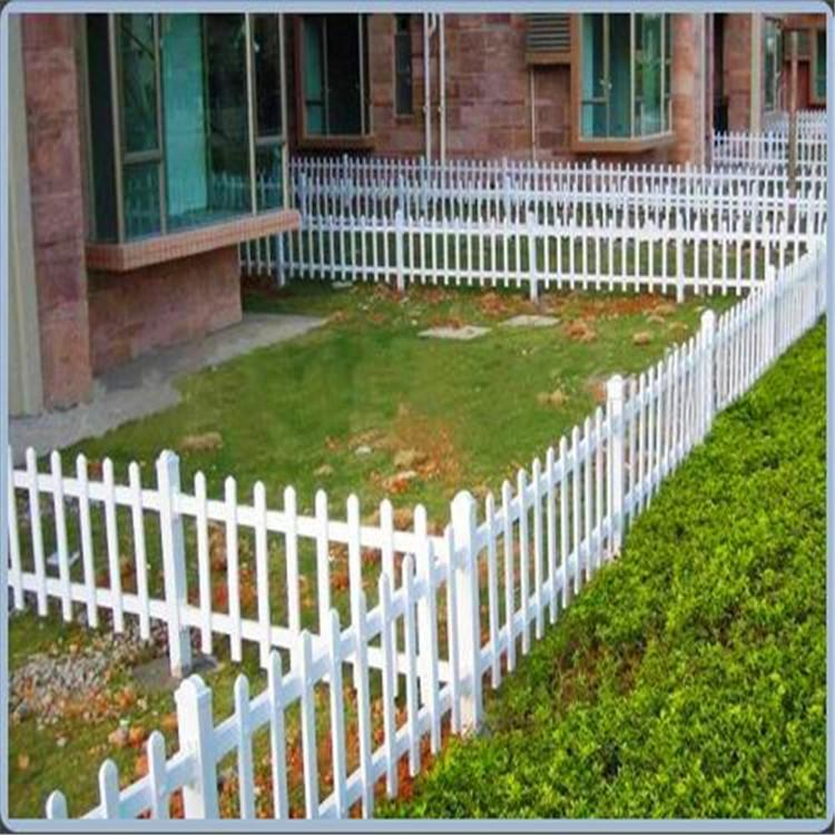 锌钢草坪护栏 草坪围挡 庭院栅栏 云旭 丝网定制