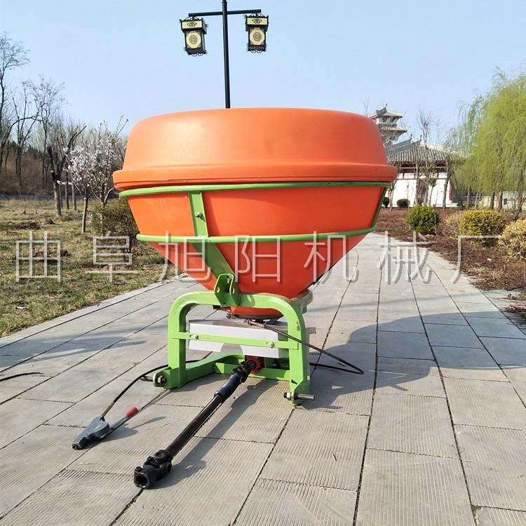 农用后置撒肥机 颗粒肥悬挂撒肥机 传动轴输出撒肥机山东直销示例图7