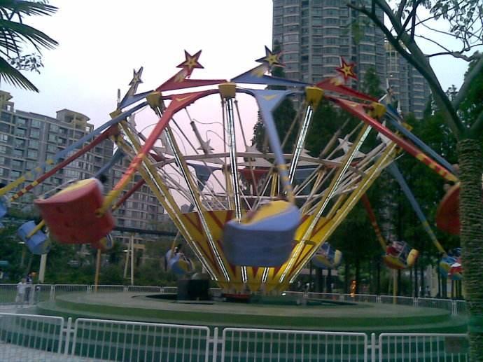 值得入手的16座超级秋千儿童游乐设备 大洋游乐疯狂旋转超级秋千游乐项目示例图6