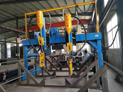 H型钢龙门焊.jpg