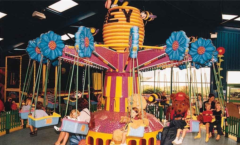 广场销售火爆儿童旋转迷你小飞椅 大洋厂家专业定制12座迷你飞椅示例图11