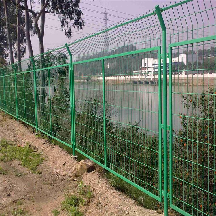 现货双边丝护栏网 道路护栏 供应车间隔离网 云旭 工厂定制现货