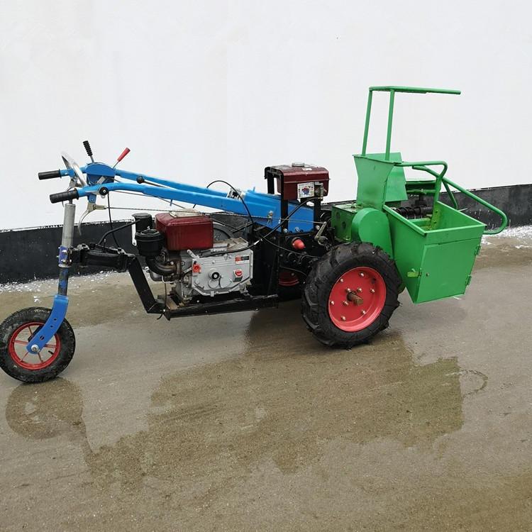 志诚直销骑式小型玉米收获机单垄玉米芯收割机秸秆
