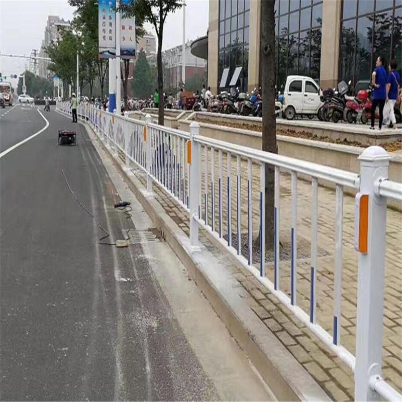 市政道路防撞护栏 交通设施市政锌钢护栏 市政护栏厂家