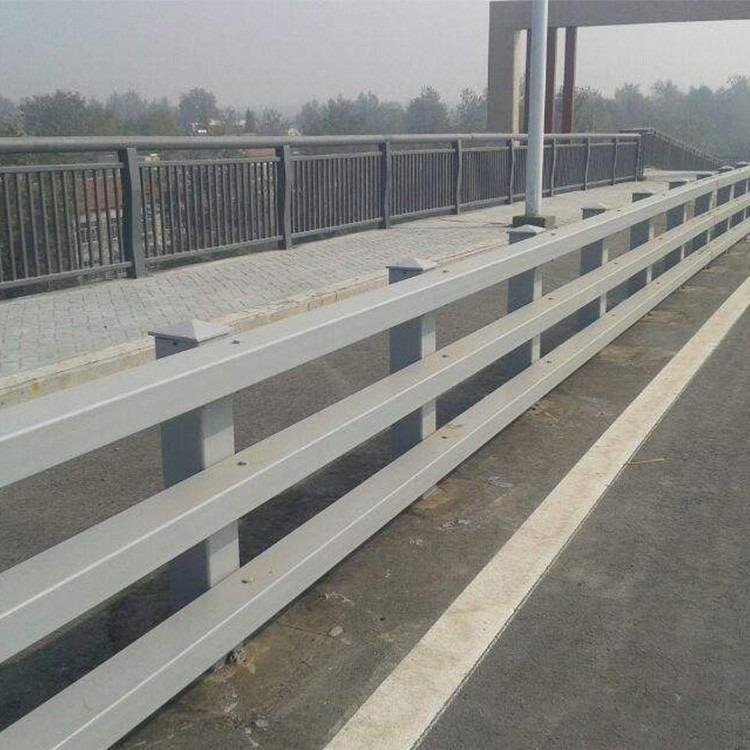 q345B材質防撞護欄 泰安橋梁防撞欄桿 橋梁河道防撞欄桿立柱專業制造