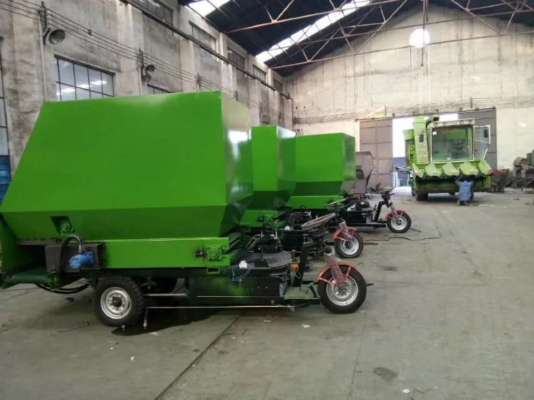 柴油动力撒料车 电动撒料车 养殖饲料撒料车 养殖机械设备撒料车示例图21