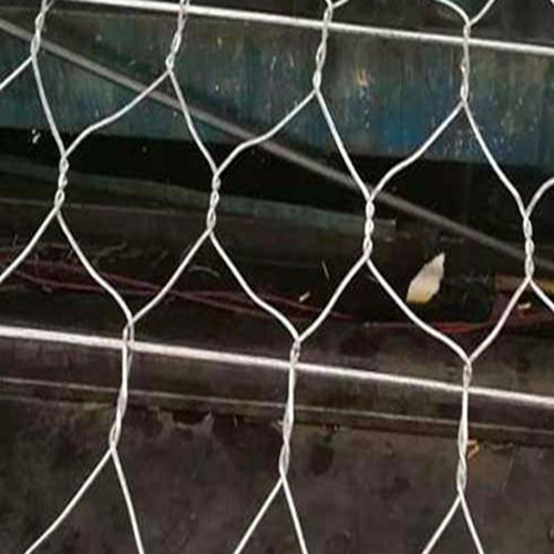泰同河道钢丝笼厂,河道专用铅丝笼,固堤石笼护垫,雷诺护垫厂家,钢丝笼护垫厂家