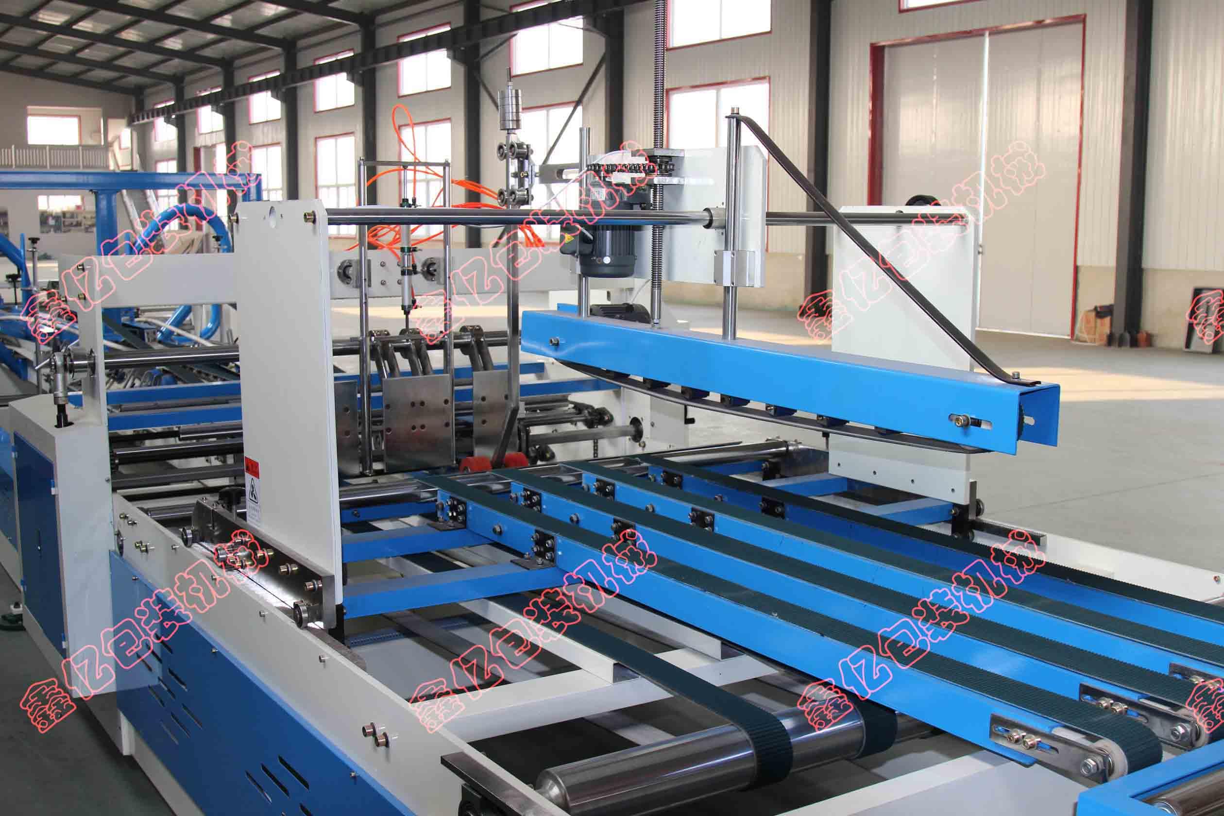 XY-2400型全自动粘箱机 鑫亿东光设备半自动粘箱机  半自动糊盒机  粘箱机直销厂家优价格
