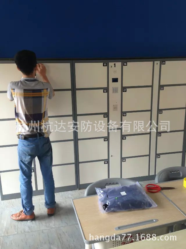 公司刷卡联网电子更衣柜杭州第九中学校联网书包柜储物柜示例图1