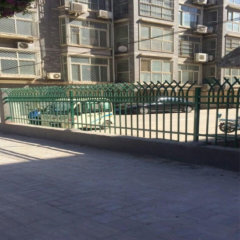 厂家生产 锌钢护栏 栅栏小区 别墅厂区室外绿蓝白喷塑铁艺围栏示例图7