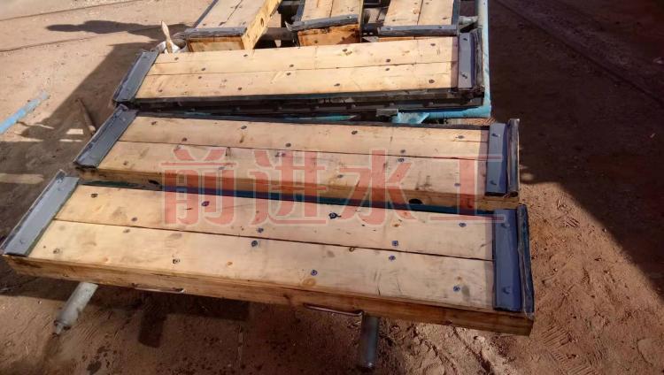 木叠梁闸门 不锈钢叠梁闸门 碳钢叠梁闸门 前进 厂家直供示例图4