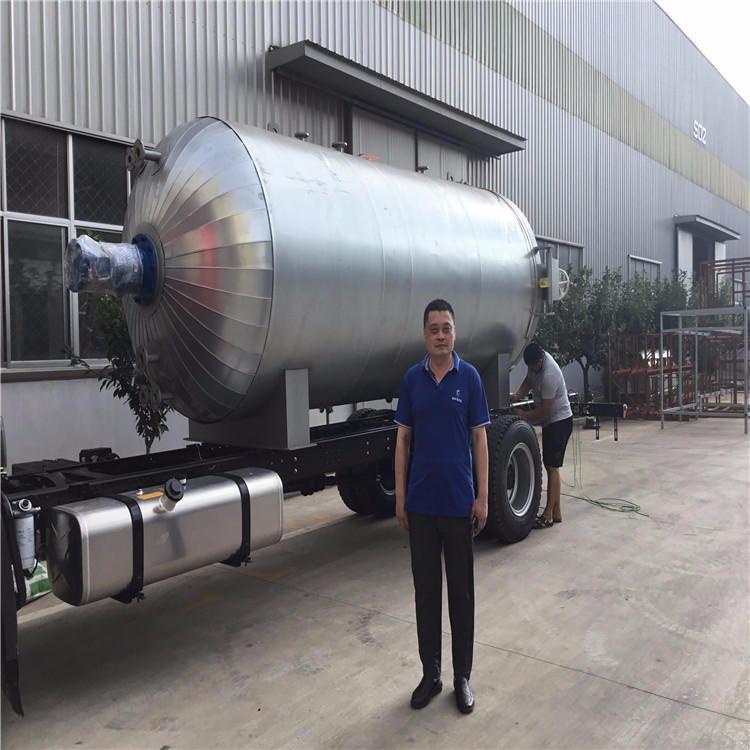 魯貫通大型硫化罐可用于襯膠氣囊大型膠輥等  采用微電腦自動控制