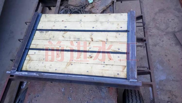 木叠梁闸门 不锈钢叠梁闸门 碳钢叠梁闸门 前进 厂家直供示例图1