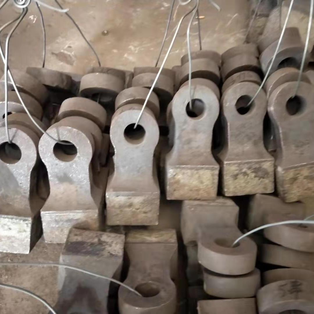 廠家供應破碎機錘頭 高絡合金制砂機錘頭 定做各種型號錘式破錘頭