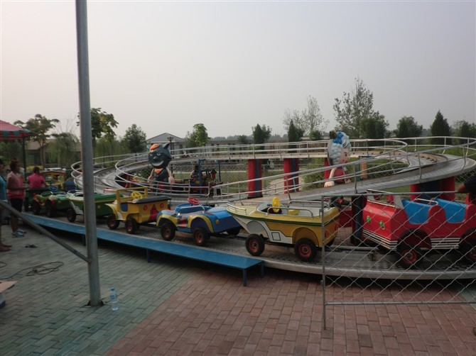 专业定制室内商场儿童爬山车 郑州儿童爬山车游乐园火爆游乐设备示例图7