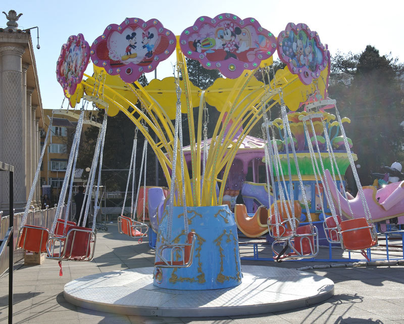 2020公园游乐场游乐设备12座迷你飞椅 广场小型迷你飞椅大洋游乐设施儿童游艺设施厂家示例图4