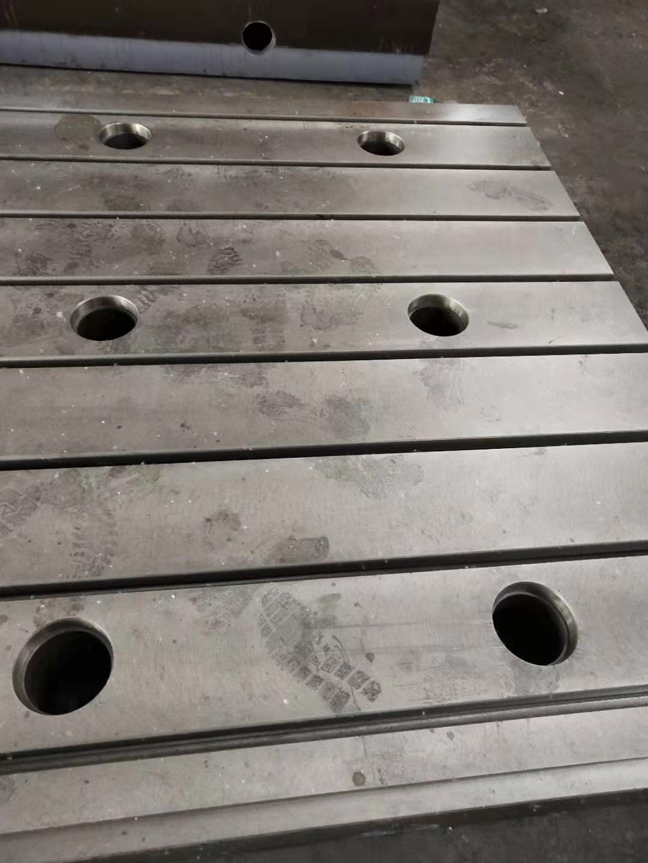 鑄鐵底座 裝配底座 裝配工作臺 裝配平臺 專業生產廠家泊頭亮健機械示例圖5